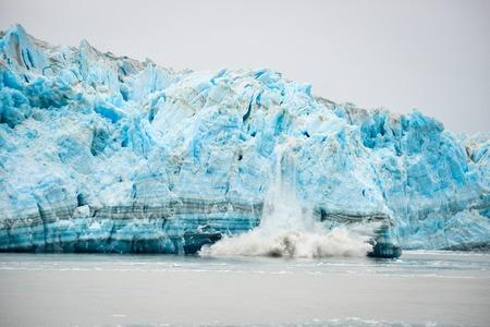 ハバード氷河分娩・自然現象