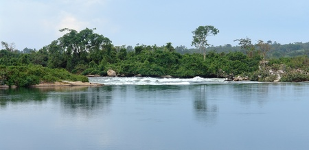 waterside scenery showing the River Nile near Jinja in Uganda (Africa) Stock Photo - 10840214