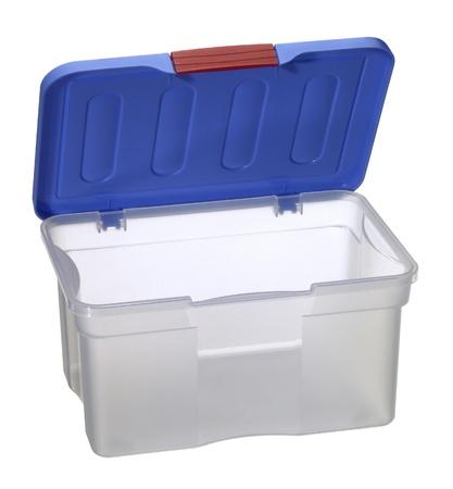 envases plasticos: estudio de fotograf�a de una caja transparente de pl�stico con tapa azul abierto aislado en blanco con saturaci�n camino