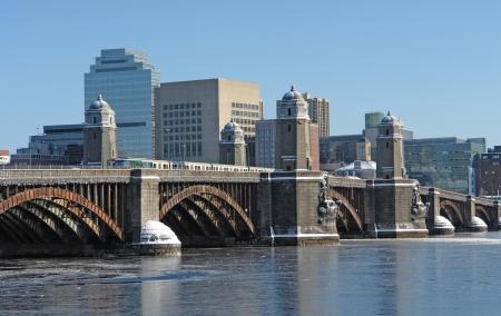 charles bridge: winter scenery in Boston (Massachusetts, USA) with bridge over Charles River Stock Photo