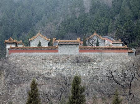 badaling: costruire intorno alla Grande Muraglia cinese nei pressi di Badaling Editoriali
