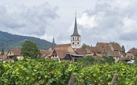 des vins: clouded scenery showing Mittelbergheim, a village of a region in France named Alsace Stock Photo