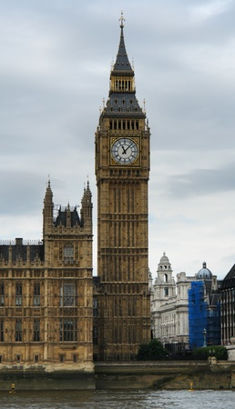 clock Tower with Big Ben in front of cloudy sky Stock Photo - 11095023