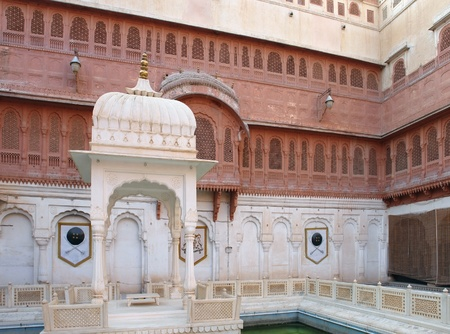 bikaner: patio with small pavilion in Bikaner, a city inIndia Stock Photo