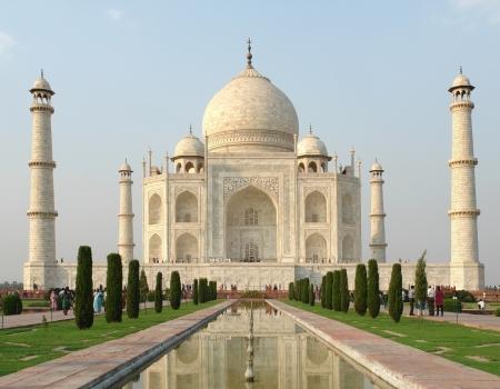 mausoleum named Taj Mahal in Agra, India at evening time Standard-Bild