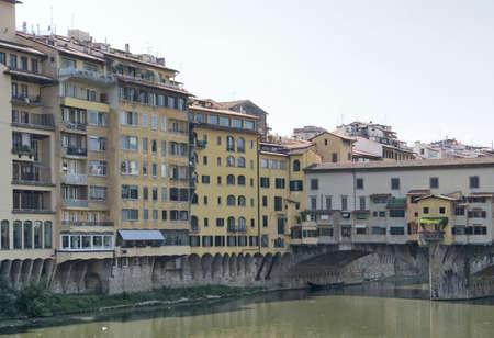 ponte vecchio: scenery around Ponte Vecchio in Florence, Italy