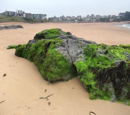 st malo: beach scenery around Saint-Malo, a port city in northwestern France Stock Photo