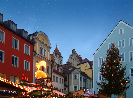 regensburg: city view of Regensburg, a city in Bavaria (Germany) with illuminated christmas market at evening time