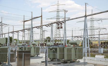 redes electricas: detalle de una subestación eléctrica en el sur de Alemania