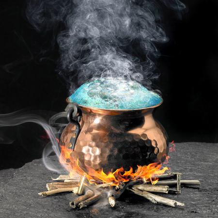 pocion: poci�n espumosa y el caldero de cobre en una chimenea