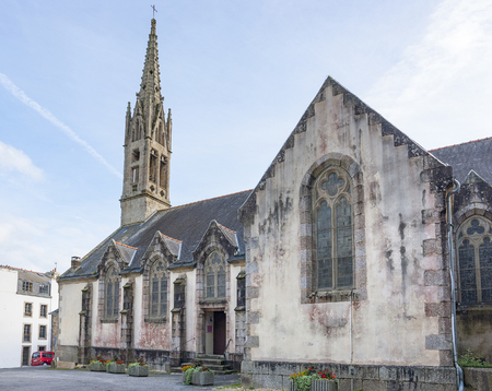 commune: Idyllic church at Pont-Aven, a commune in the Finistere department of Brittany in northwestern France. Stock Photo