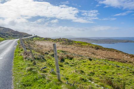 Idyllic coastal scenery around Sky Road in Connemara, a region in western Ireland Standard-Bild - 115381910