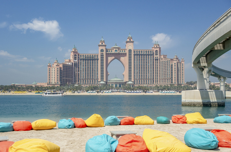 coastal scenery including Atlantis The Palm in Dubai Archivio Fotografico - 136348547