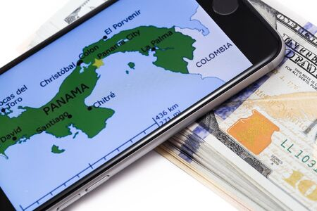 bandera de panama: Brand black Apple iPhone 6s with map of Panama on the screen, with money. Chelyabinsk, Russia - April 12, 2016 Editorial