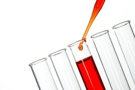 pipeta: tubos de ensayo y gota de pipeta
