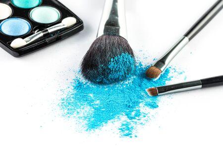 blusher: blue Powder Eyeshadow on a Brush with Make up Palette, fashion beauty  tool blusher
