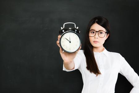 educadores: el tiempo nunca le esperará, el tiempo siempre está funcionando y nunca volver atrás