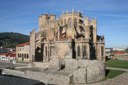 church of st. mary of the assumption of castro-urdiales (thirteenth century)