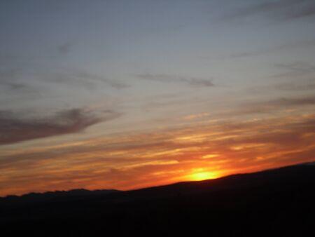 Cae la noche en la montaña Foto de archivo - 12392922