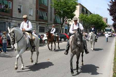 fiesta popular: Feast of San Isidro, Parade of Horses