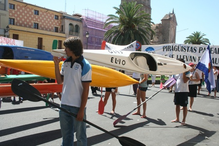 ecologists: Canoeists in demonstration in defense of the river Tajo Shipping water, against the, Segura,