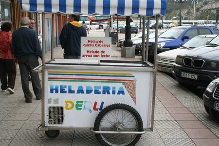 carretto gelati: Carrello Ice Cream, crema di formaggio Cabrales ghiaccio,