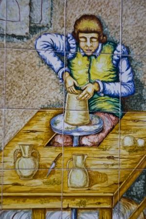 talavera de la reina: Talavera ceramic tiles, the Potter