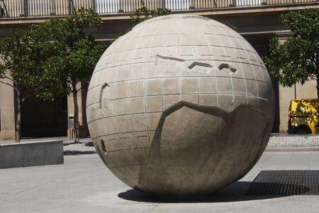 zaragoza: Plaza de Pilar, Zaragoza, world globe