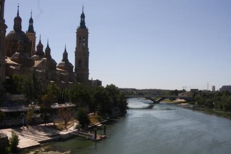 zaragoza: Basilica del Pilar by the river Ebro, Zaragoza, Spain Stock Photo