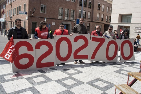 ugt: 6.202.700 number of unemployed in Spain,  manifestation Talavera, 27042013 Editorial