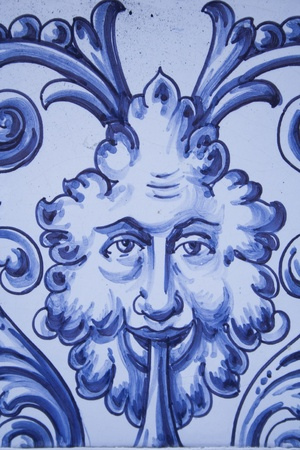 talavera de la reina:  Talavera ceramics is called a type of ceramic which is manufactured in the city of Talavera de la Reina based mud of the River Tagus, kaolin and different glazes. Its use is to carry tableware, fountains, murals tiles and other ornamental elements. Editorial
