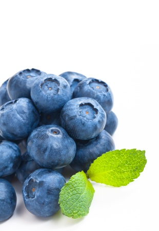 Ripe and Fresh Blueberries On A White Background Archivio Fotografico