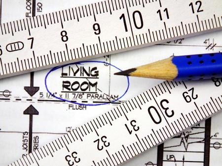Bleistift, Blaupause des neuen Hauses und Holz-Meter- Lizenzfreie Bilder