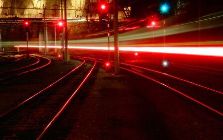 trails of lights: Treno veloce e le sue luci, creando scie luminose