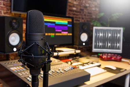 condenser microphone in digital sound editing & recording studio Stock fotó