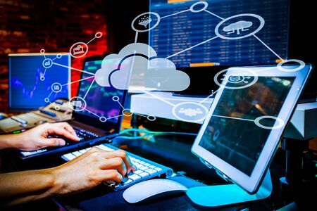 man working with big data on cloud computing system Stockfoto