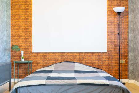 modern industrial loft bedroom interior design Standard-Bild