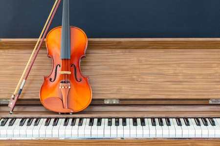violin on piano, music background