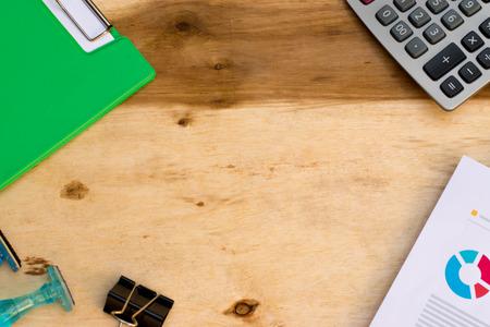 Werkruimte template kantoorconcept op houtstructuur. Stockfoto