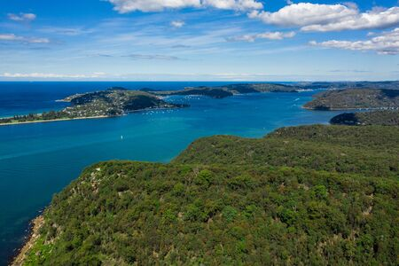 Aerial view of Barrenjoey Head, Palm Beach and Pittwater, from West Head, Sydney, Australia 스톡 콘텐츠