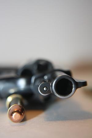 gatillo: .38 Pistola especial acostado en una camilla con una bala