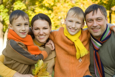 portrait of a happy family  on the nature Standard-Bild