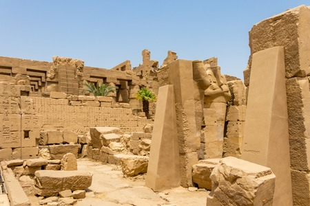 The ruins of an ancient Egyptian temple, Karnak, Luxor Banque d'images - 123219191