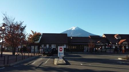kawaguchi ko: Mt.Fuji at Kawaguchiko Station