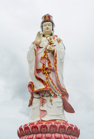 busts: Quan Yin sculpture at Samarn temple, Thailand