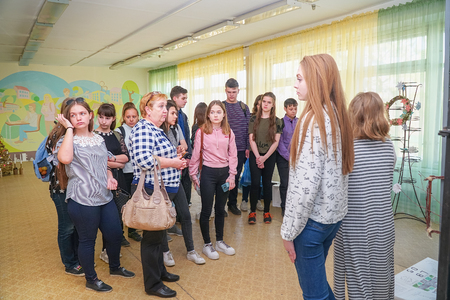 Chapaevsk, Samara region, Russia - April 17, 2019: College in Chapaevsk city. Visitors at the Exhibition of works by students at the College of the city of Chapaevsk Redactioneel