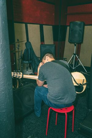 The guitarist has a creative crisis. Stressful state without creative ideas