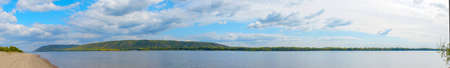 Panorama of the Big Volga river in front of the Zhiguli mountains Zdjęcie Seryjne