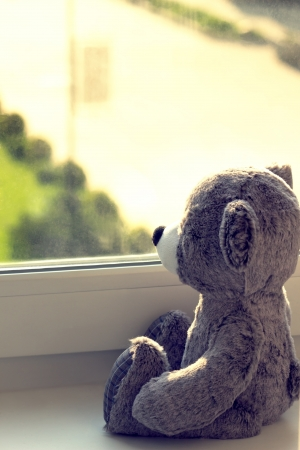 waiting girl: Teddy bear
