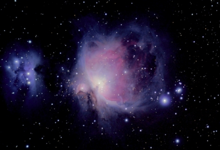 the great orion nebula is a diffuse nebula situated in the constellation of orion, and is visible to the naked eye Stock Photo - 14799624